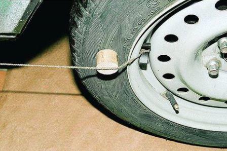 Как сделать развал схождение своими руками на ваз 2107: углы установки колес, регулировка, инструкции с фото и видео