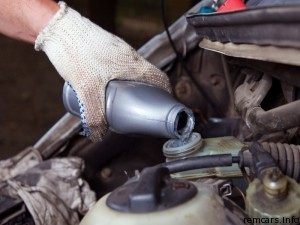 Замена передних и задних тормозных шлангов на ваз 2107: какие лучше, как поменять, инструкции с фото и видео