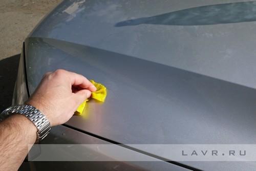 Как вывести пятна от почек на авто и защитить машину