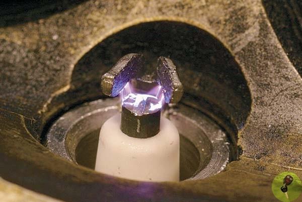 Почему нет искры с катушки зажигания ваз 2106 и на свечах: причины и способы устранения