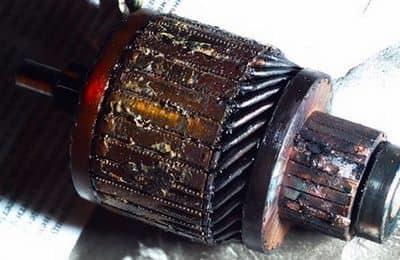Щелкает втягивающее реле стартера ВАЗ 2107: где находится, почему не крутит, ремонт, замена, фото