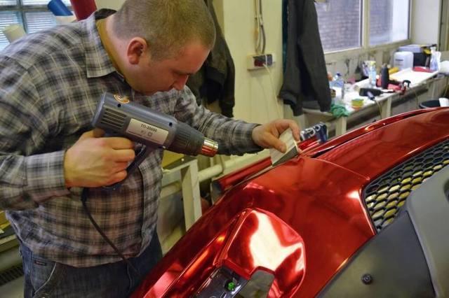 Как клеить защитную плёнку на авто своими руками, оклеить автомобиль самому