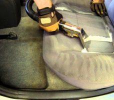 Как и чем почистить салон автомобиля своими руками