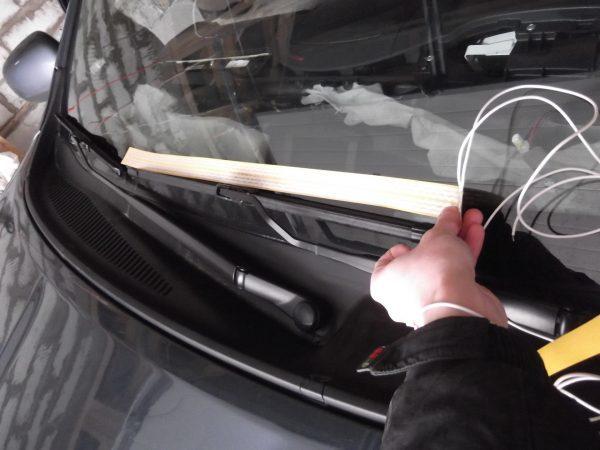 Замерзают дворники: что делать и чем обработать щетки, чтобы они не примерзали к стеклу