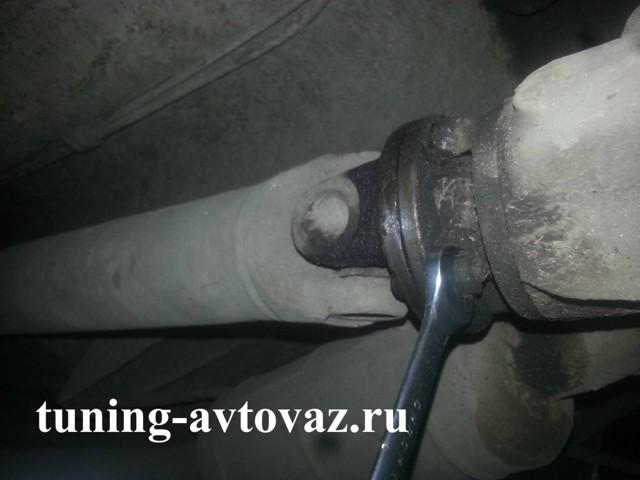 Замена крестовины карданного вала ВАЗ 2106: как снять, проверить, инструкции с фото и видео