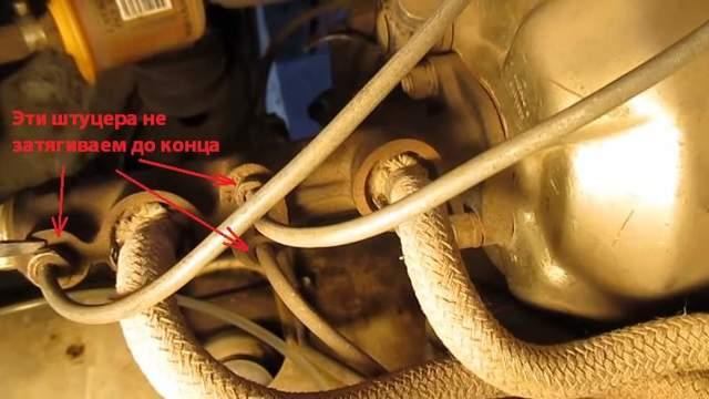Как правильно прокачать тормоза на ваз 2107 и других моделях классик: замена жидкости, порядок прокачки, инструкции с фото и видео