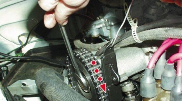 Натяжитель цепи ВАЗ 2106: устройство, замена башмака, инструкции с фото и видео