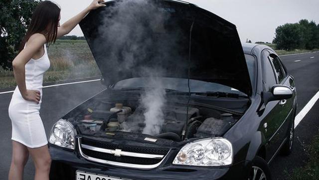 Нужно ли, когда (через сколько) и как часто менять антифриз в машине
