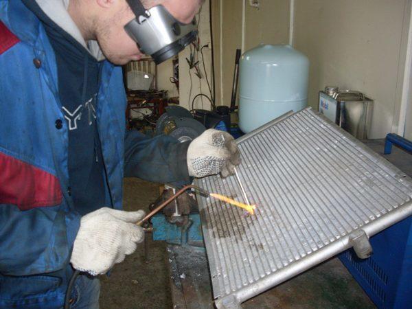 Ремонт радиатора кондиционера автомобиля своими руками – пайка, сварка и тд
