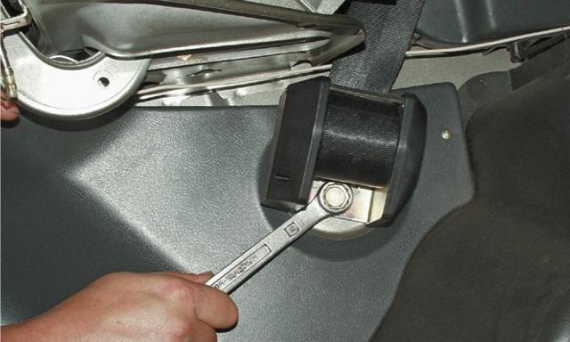 Салон ВАЗ 2101: перетяжка, ремни безопасности, какие сиденья поставить, инструкции с фото и видео
