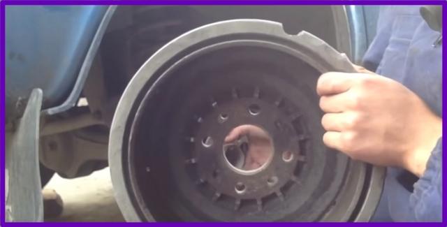 Как снять и заменить задний тормозной барабан на ваз 2107, инструкции с фото и видео