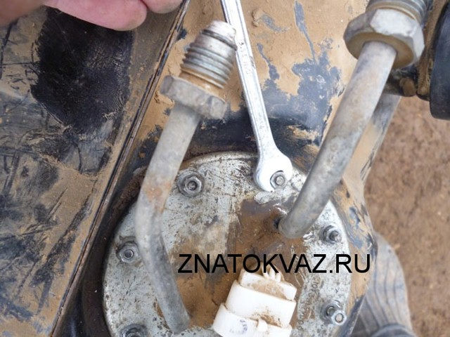 Бензонасос ВАЗ 2107 карбюратор: какой лучше, неисправности и замена, как поставить электробензонасос, инструкции с фото и видео