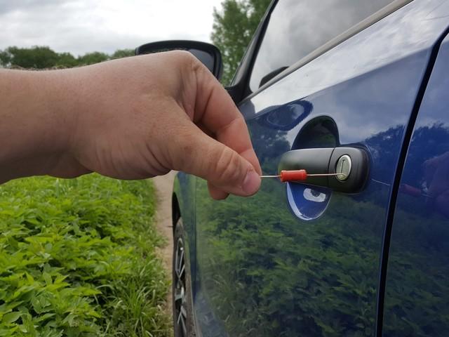 Антистатик для авто - что это, как крепить и установить, сделать своими руками