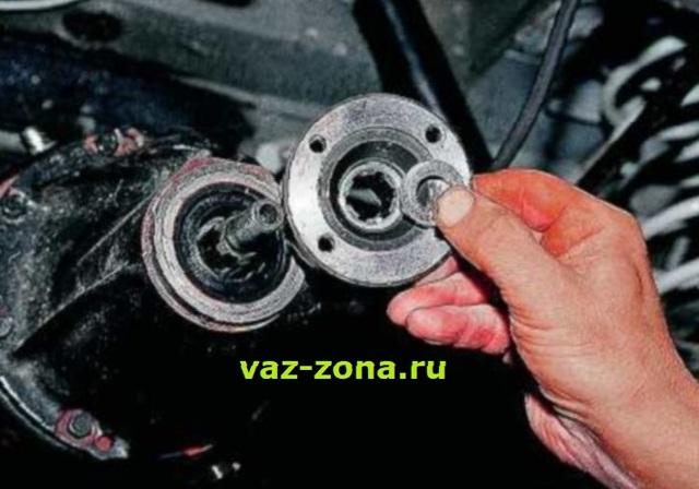 Как снять полуось ВАЗ 2107, замена сальника, размер, чертеж, инструкции с фото и видео