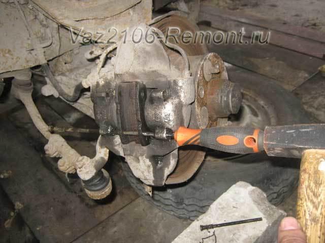 Тормозная система ваз 2106: устройство, неисправности, замена задних и передних колодок, инструкции с фото и видео