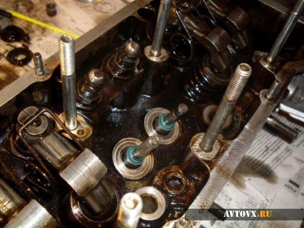 Замена клапанов и маслосъемных колпачков ВАЗ 2106, как поменять, инструкции с фото и видео