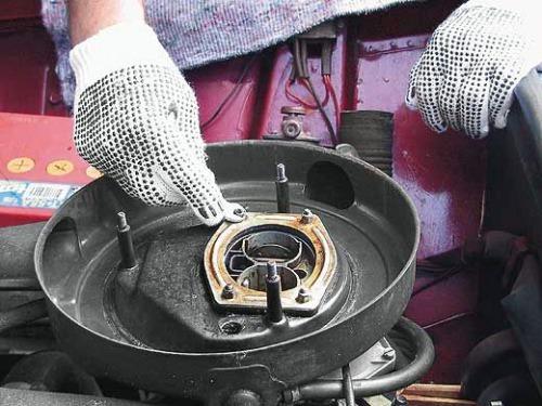 Регулировка карбюратора ваз 2107 своими руками: настройка холостого хода, уровня топлива, инструкции с фото и видео
